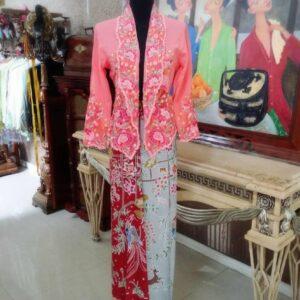 Noyna Kabaya and Sarong Batik Tulis Set