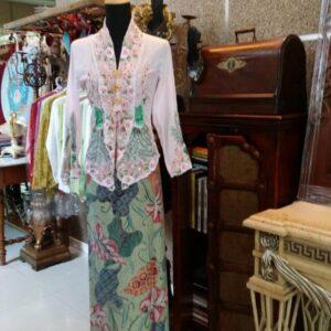 Kanaya Top and Sarong (Batik Tulis)